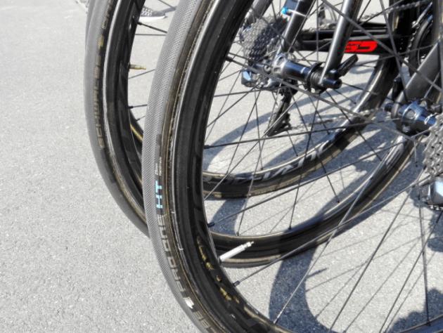 【プロバイク機材レポート】2017年ツアー・オブ・ジャパンVol.2 アイソウェイ・スポーツ・スイスウェルネス S5 タイヤ ホイール