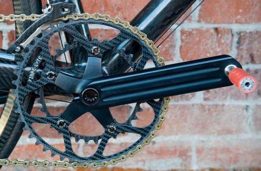 クランク 世界最軽量のロードバイク完成車。