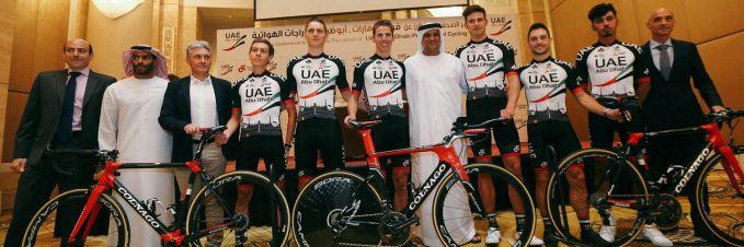 UAEチーム・エミレーツ コルナゴ『V2-R』