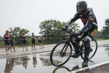 ピレリ『P Zero Velo』。多くのスーパーカーに採用されるタイヤメーカーが自転車業界に参入。
