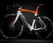 【2018年モデル】ピナレロ『DOGMA K10』。F10の技術を色濃く受け継ぐエンデュランスバイク。