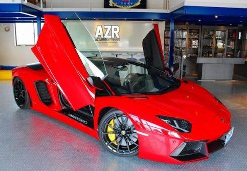 ピレリ『P Zero Velo』。多くのスーパーカーに採用されるタイヤメーカーが自転車業界に参入。 ランボルギーニ