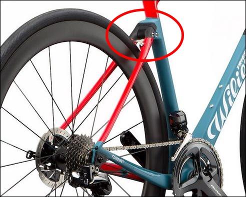『cento 10 NDR』の後ろ三角は「快適性」 【2018年モデル】Wilier『cento 10 NDR』。振動吸収Actiflexを搭載したレーシングコンフォートバイク。 『cento 10 NDR』の前三角 カムテール