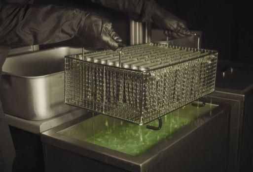 ツール優勝を後押ししたチェーン&潤滑剤Muc-Off『Nanotube Chain』 超音波洗浄