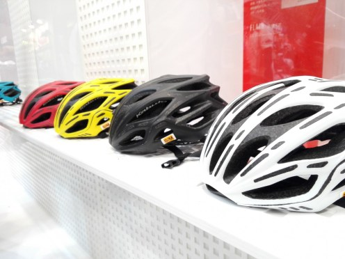 OGK Kabuto史上、最軽量ヘルメット『FLAIR』実物インプレッション!