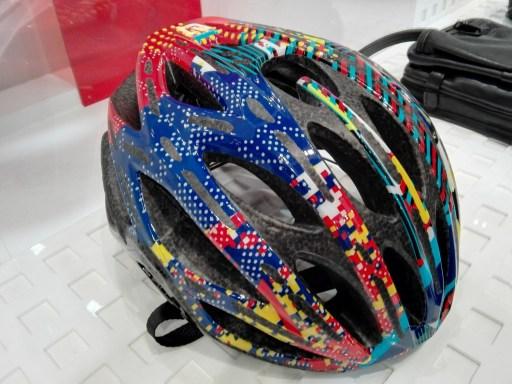 OGK Kabuto史上、最軽量ヘルメット『FLAIR』実物インプレッション! カラーラインナップ