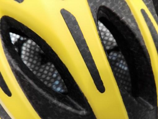 OGK Kabuto史上、最軽量ヘルメット『FLAIR』実物インプレッション! ポリカーボネイト製シェル