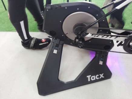 「Tacx Neo Smart T2800」ほぼ無音でした。