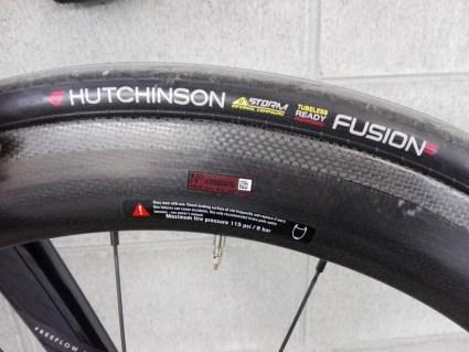 HUCHINSON(ハッチンソン)「FUSION 5 GALACTIK(ギャラクティック) 11 STORM」25c タイヤ インプレッション レビュー