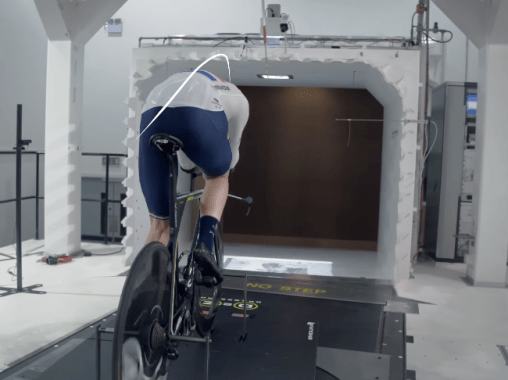 Endura D2Z Encapslatorを世界最速のスキンスーツと闘わせる実験