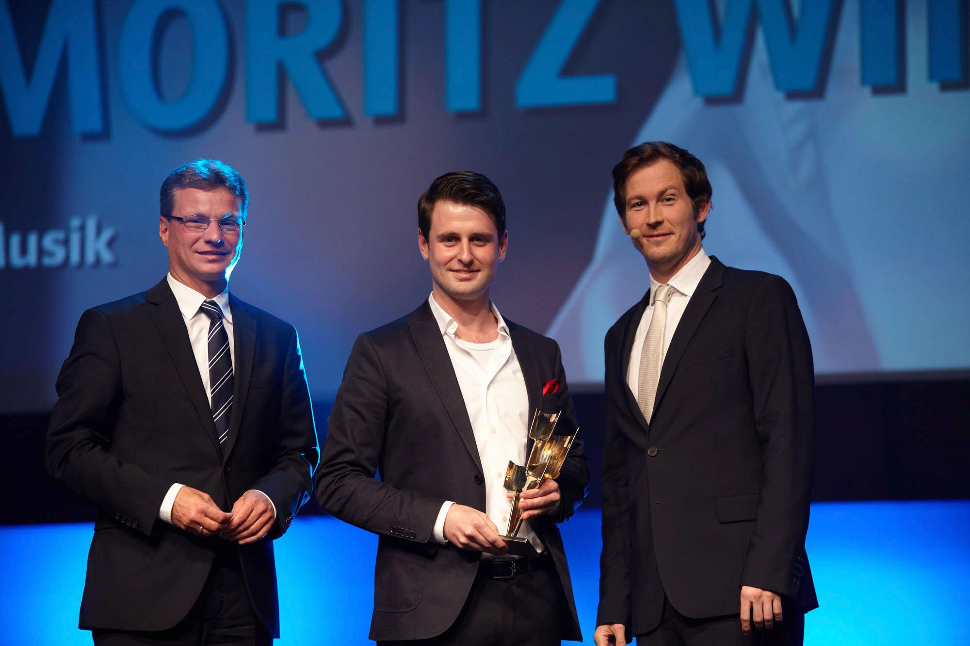Staatssekretär Bernd Sibler überreicht den Kulturpreis Bayern an Moritz Winker