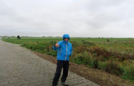 Spaziergang bei Sturm und Regen