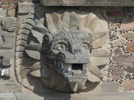 Quetzalcoatl_Gevederde slang_M
