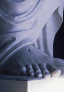 replica-thorvaldse_christus-foot-lds_2