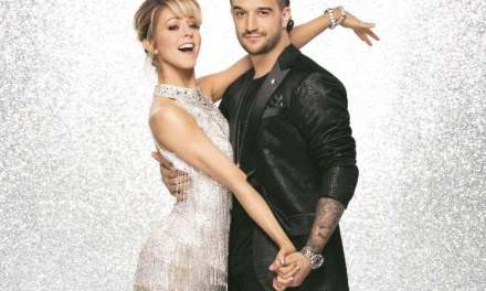 "Dancing with the Stars' Season 25 premiere: Lindsey Stirling and Mark Ballas dance the Cha​ ​Cha to ""Don't​ ​Worry"" by Madcon​ ​ft.​ ​Ray​ ​Dalton"