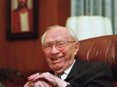 President Gordon B. Hinckley was a funny man! Watch one of his best clips now!