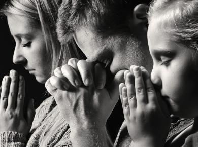 Shutterstock family praying e1562103780422