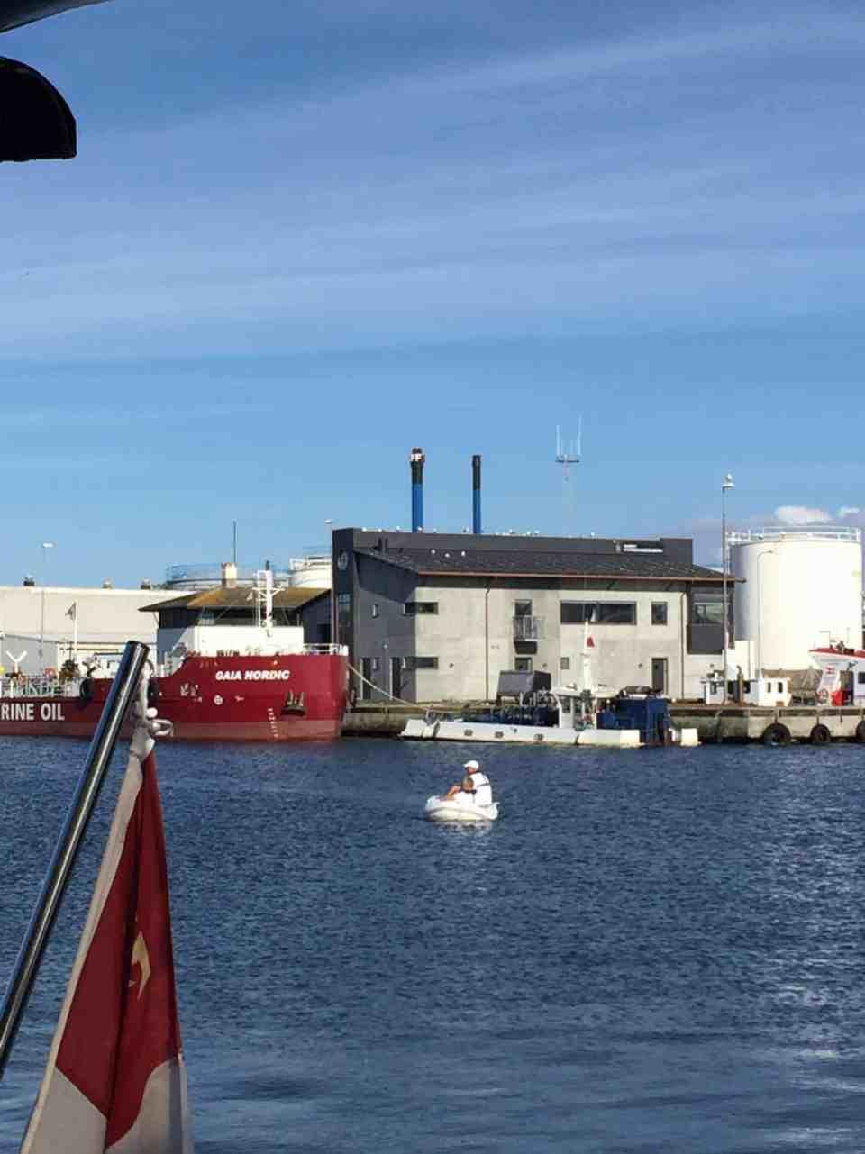 Kæmperos her fra Susie's besætning til Skagen Havn