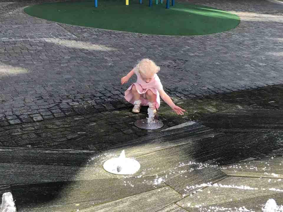 hun elsker bare vand