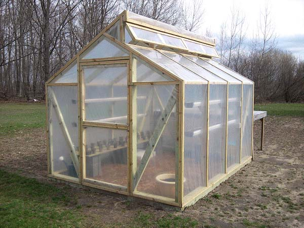 84 diy greenhouse plans you can build this weekend free - Serre en bois de palette ...