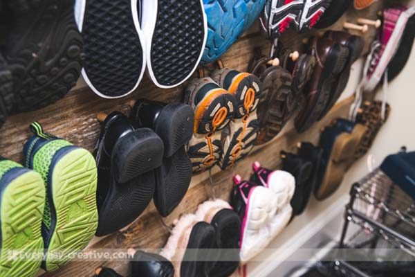 Pallet Shoe Hanger