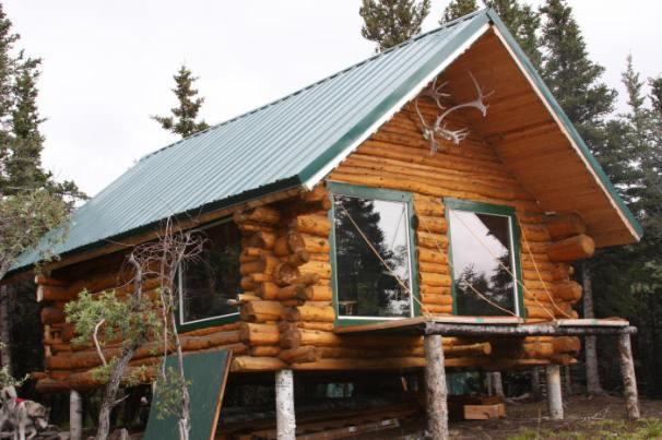 27 Beautiful DIY Cabin Plans You Can Actually Build