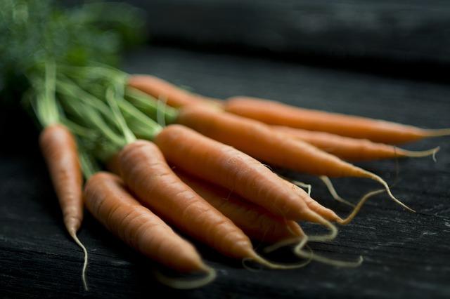 carrot-1031389_640