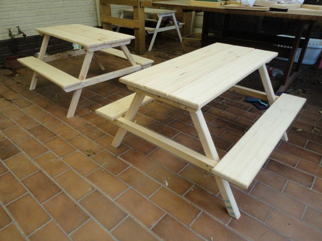 This Picnic Table Is Another Traditional Style. It Reminds Me Of The Kinds  Of Picnic Tables That You See At The Local Park.