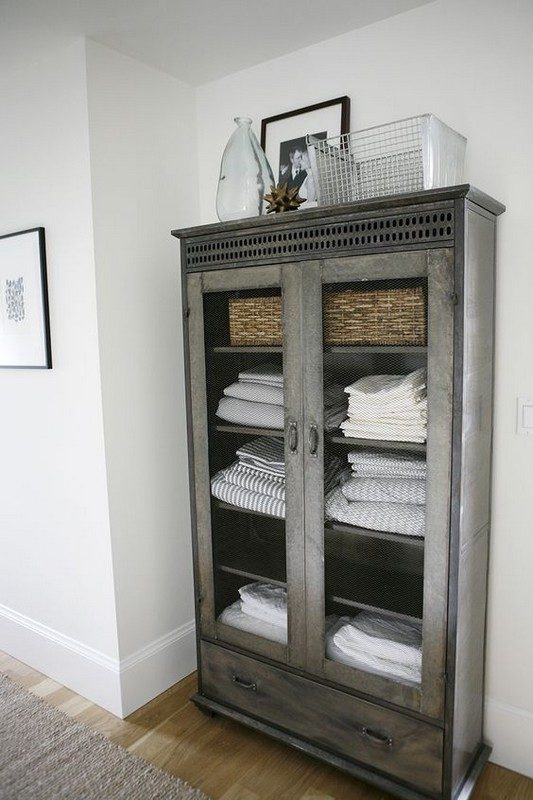 bathroom-ideas-recycle-cabinet