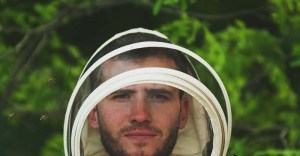 10 Best Beekeeping Suit for Every Beekeeper – Reviews & Buying Guide
