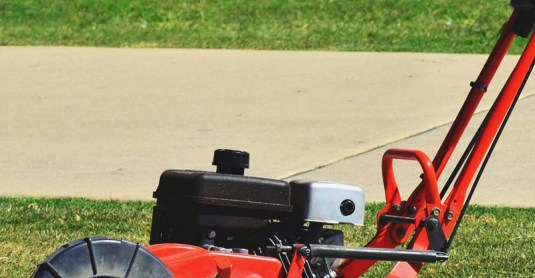 6 Best Lawn Edger (Electric and Gas) – 2017 Review & Buyer's Guide
