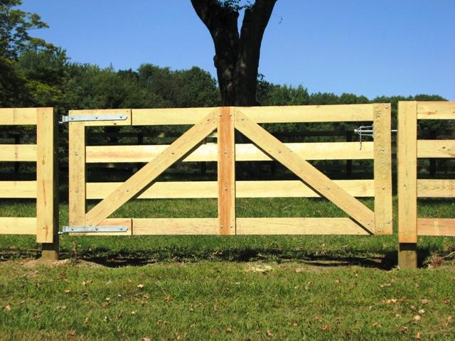 4 Rail Horse Fence