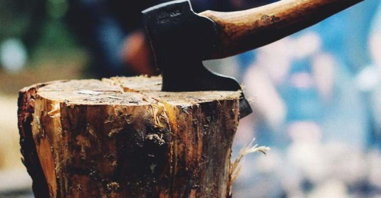 Splitting Wood: 3 Fail-Proof Methods to Chop Wood Everyone Can Do