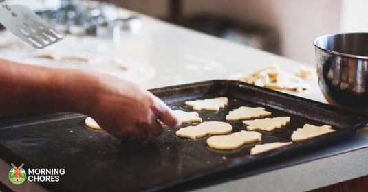 6 Best Cookie Sheets Reviews: Versatile Pans to Bake Delicious Cookies