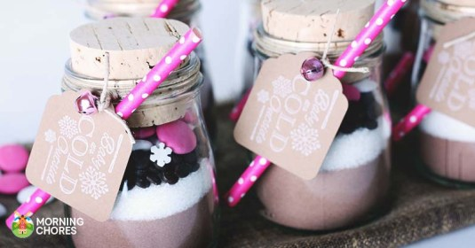 15 Hot Chocolate Recipes to Give as Delicious Christmas Gifts