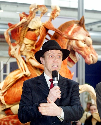 Gunther von Hagens (AP Photo/Michael Probst)