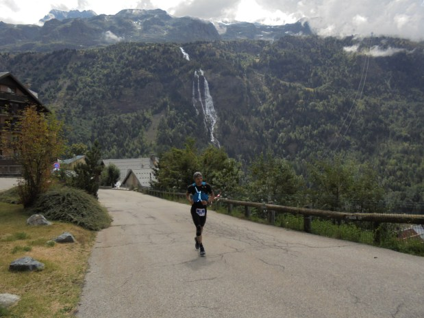 Oisans Trail Tour 2018 Morning Runner