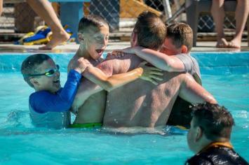 Tim boys pool
