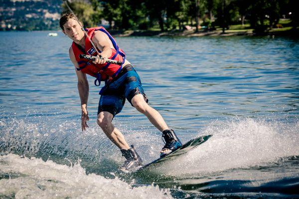 Tim wakeboarding