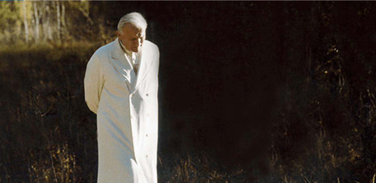 nature_Pope_walking