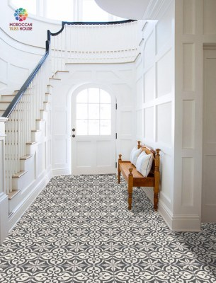 Moroccan tiles house : Black and white flour tile pattern