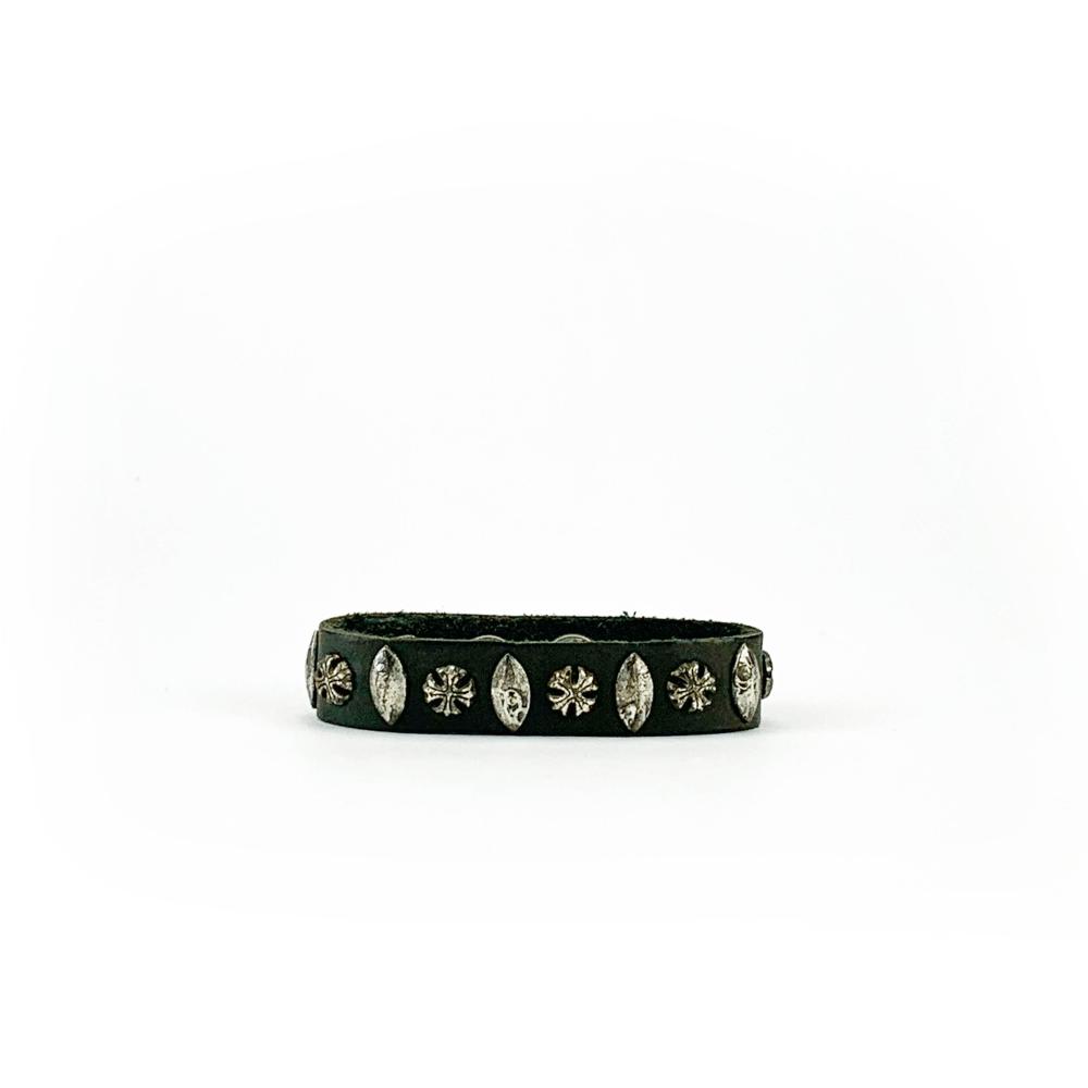 Bracciale in cuoio di toro lavorato a mano con accessori in metallo invecchiato Moro & Co. Handmade in italy