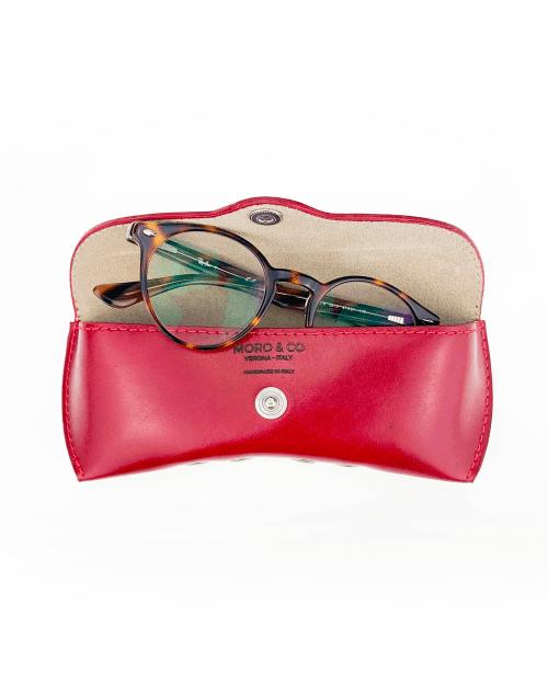 Porta occhiali in pelle bovina in concia vegetale color rosso