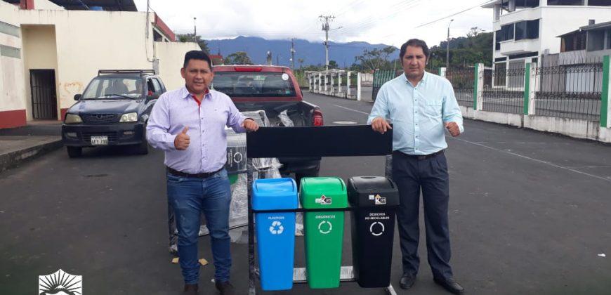Entrega de Basureros – Proyecto de Educación Ambiental