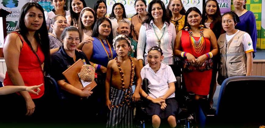 Prefectura y Cefas entregan material didáctico a discapacitados
