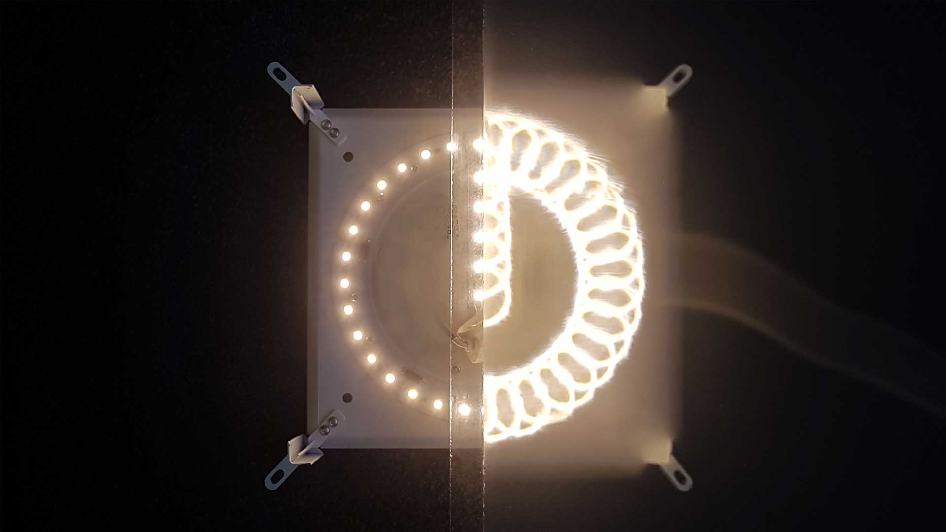 Solar Powered Picture Light