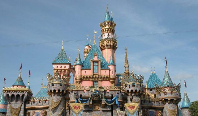 Worlds-10-Most-Instagrammed-Travel-Destinations-Disneyland