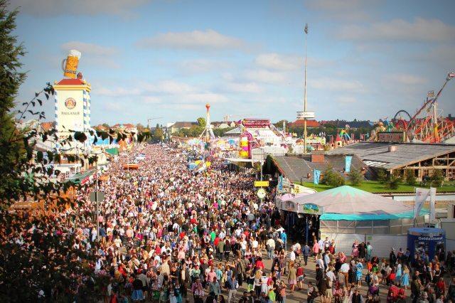 Worlds-10-Most-Instagrammed-Travel-Destinations-Oktoberfest