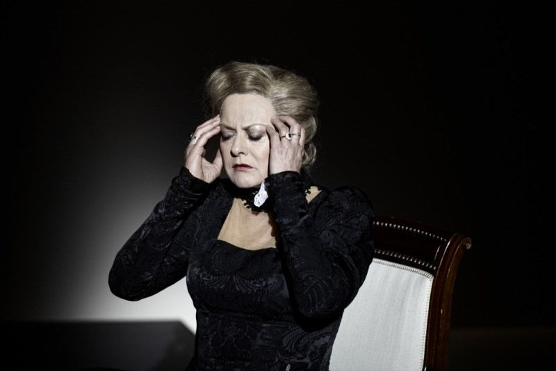 Inge Sofie Skovbo, Gengangere, Aarhus Teater