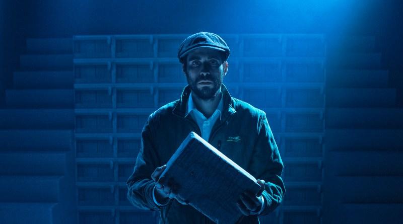 Zaki Nobel Mehabil som Jamal i forestillingen Bygning 4-7-12 på Teatret Svalegangen.